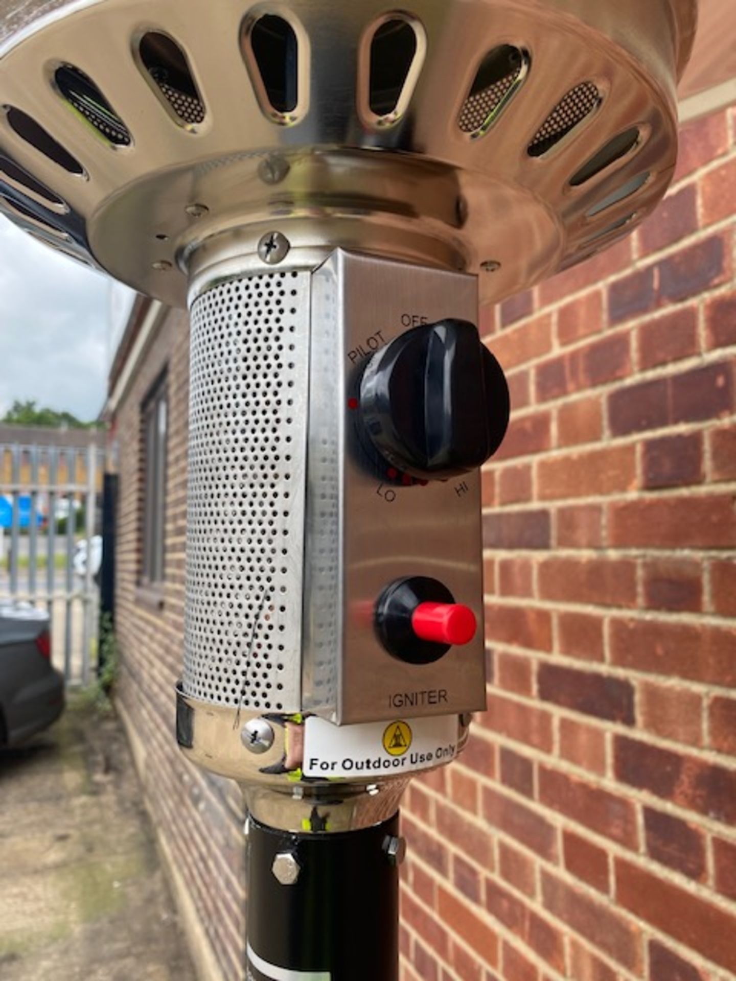 + VAT Brand New Chelsea Garden Company Garden Patio Heater With Cover - Item Is Available From - Image 5 of 9