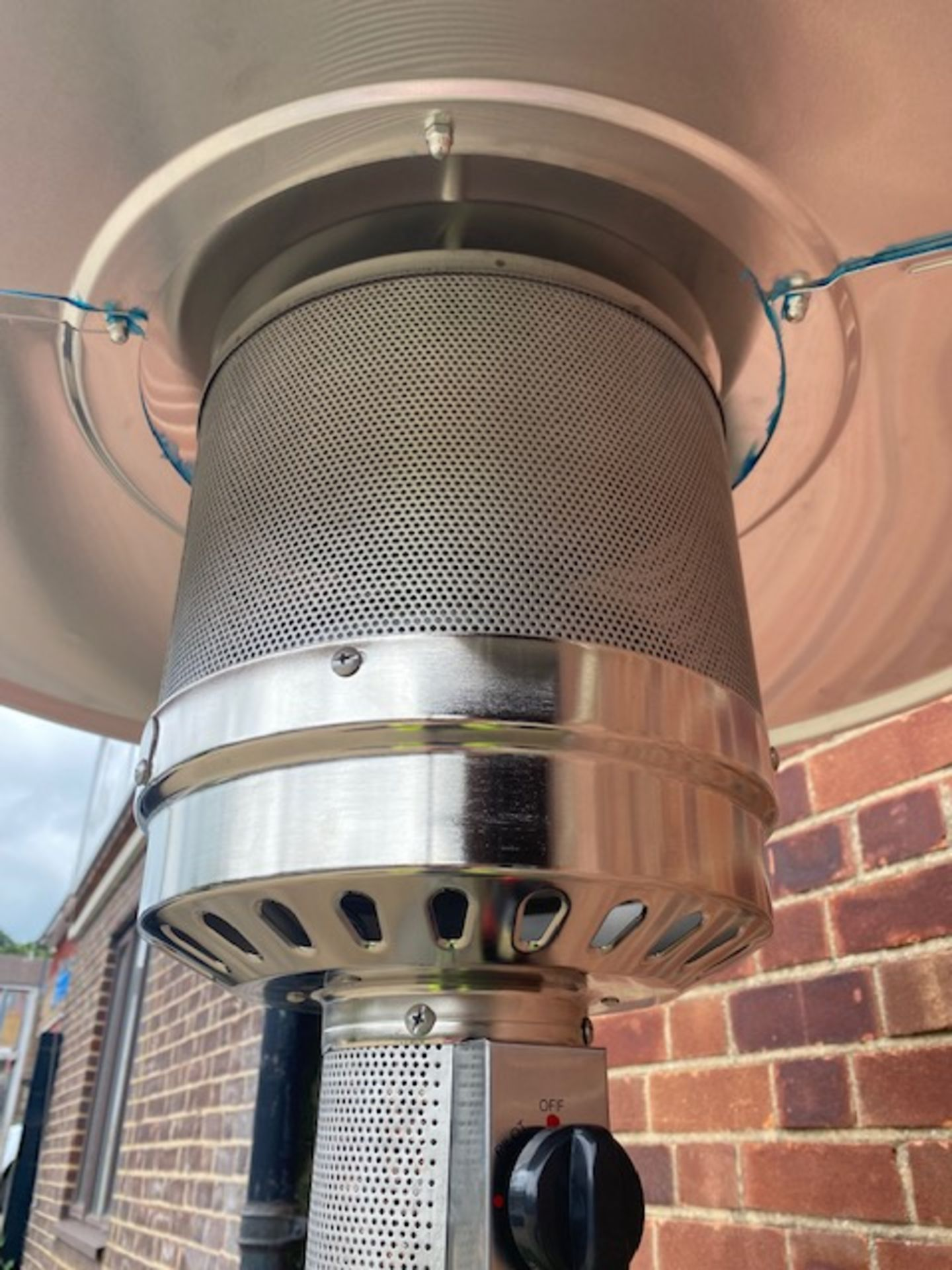 + VAT Brand New Chelsea Garden Company Garden Patio Heater With Cover - Item Is Available From - Image 6 of 9