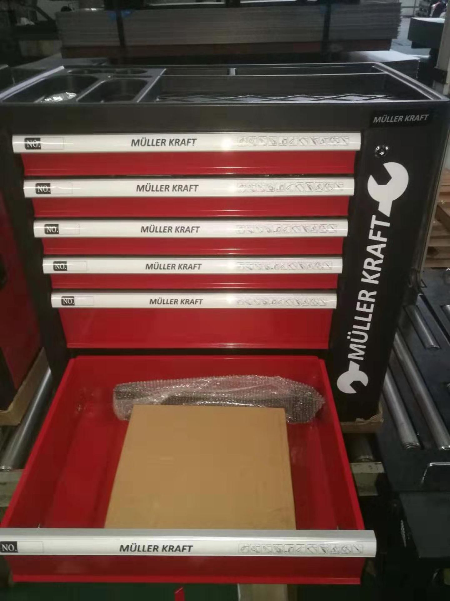 + VAT Brand New Locking Garage Tool Cabinet With Six Drawers And Side Door On Lockable Casters - - Image 6 of 7