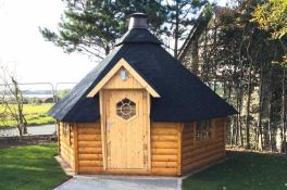 + VAT Brand New 9.00m Sq Spruce BBQ Hut - 340 x 376 x 326cm - 44mm Thickness - Pallet Dimensions