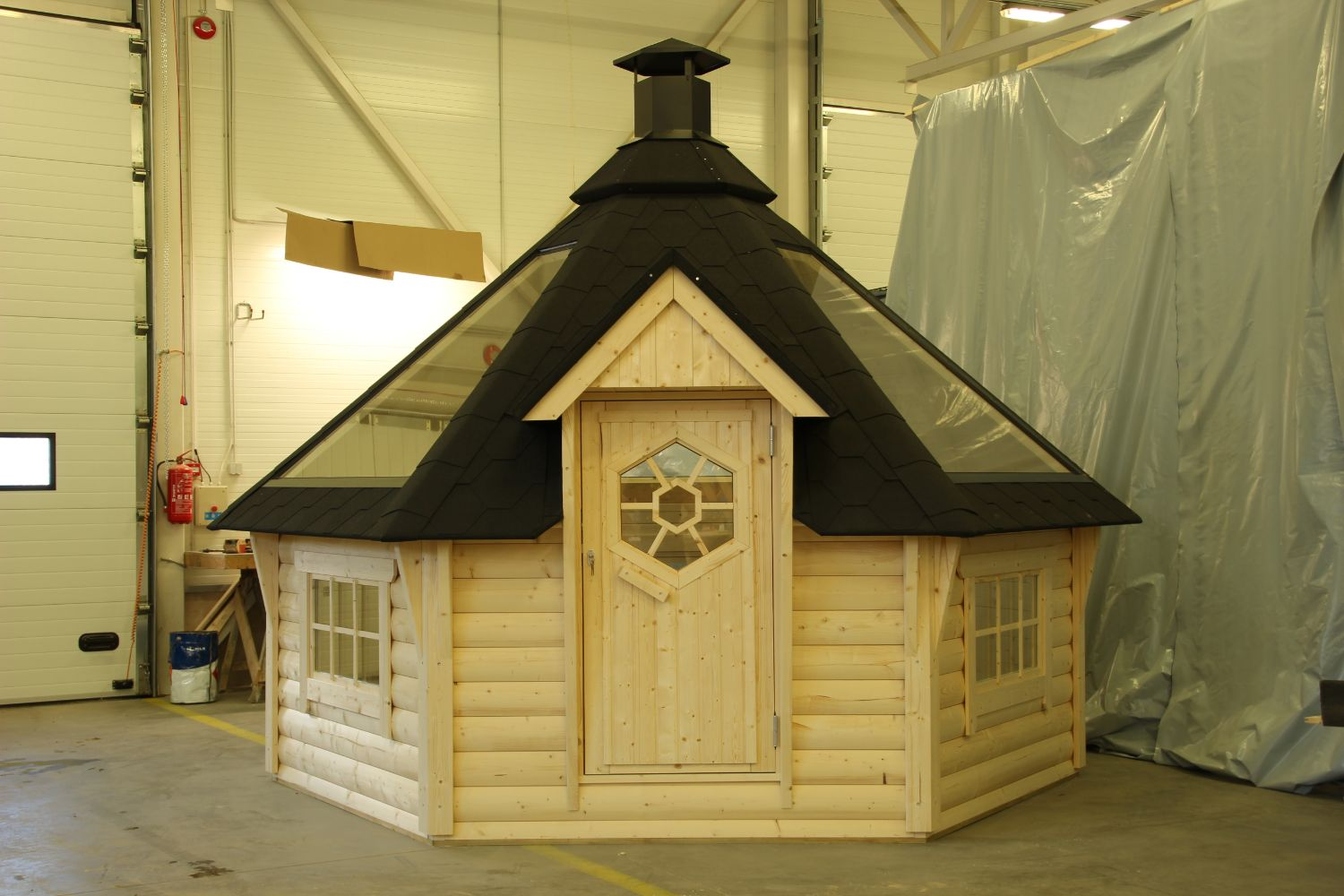 Brand New Luxury Log Cabins, BBQ Grill Cabins, Home Saunas, Hot Tubs,