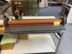 Manual roller mounting press