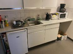 Ice King domestic refrigerator, Tefal Avante Deluxe 4 slot toaster, Delonghi coffee percolator,