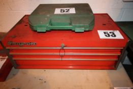 SNAP ON 3 DRAWER TOOL CHEST APPROX. 32INCH WIDE X 18INCH DEEP X 12 1/2INCH TALL WITH 2 KEYS