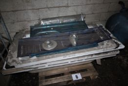 CONTENTS ON PALLET OF WHITE, FIBREGLASS MOULDED BATHS & SHOWER & TOWEL RAIL. FORKLIFT CHARGE £4