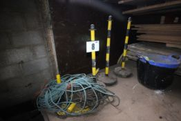 4x YELLOW AND BLACK PORTABLE POSTS, AND QUANTITY OF ROPE AND YELLOW AND BLACK PLASTIC CHAIN BARRIER