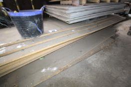 CONTENTS OF BOTTOM PALLET OF CHIPBOARD TIMBER SHEETING, 5' AND LARGER x 13'. FORKLIFT CHARGE £10