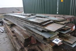 CONTENTS ON PALLET APPROX. 20FT LENGTHS HARDWOOD DECKING TIMBER FORKLIFT CHARGE £12