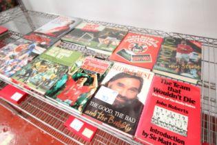 10x MAN UNITED BOOKS INCLUDING ERIC CANTONA, MATT BUSBY, GORDON STRACHAN, RYAN GIGGS, 'BOBBY