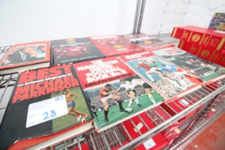 8x MANCHESTER UNITED HARDBACK BOOKS, INCLUDING 'UNITED TO WIN', 'OFFICIAL ANNUAL 2015', 'OFFICIAL