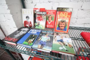 10x MANCHESTER UNITED BOOKS INCLUDING 'UNITED I STAND' BY ROBSON, STEVE COPPELL 'TOUCH AND GO',