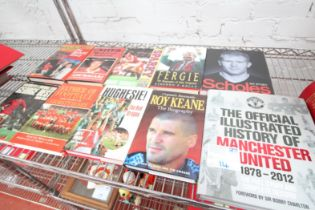 10x MANCHESTER UNITED HARDBACK BOOKS INCLUDING 'ILLUSTRATED MAN UNITED', ROY KEEN, HUGHESIE, 'FATHER