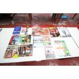 REMAINDER ON TABLE OF 14x MANCHESTER UNITED RELATED BOOKS, INCLUDING MANCHESTER UNITED OFFICIAL