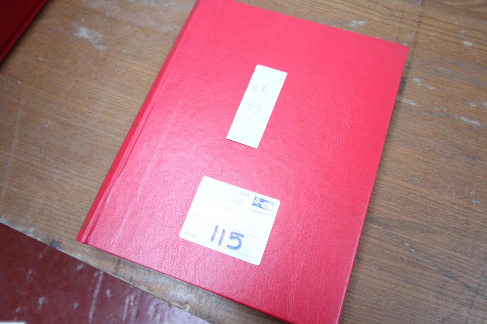 RED BINDER OF MANCHESTER UNITED PROGRAMS 1994 / 95, APPROXIMATELY 25X PLUS PROGRAMS