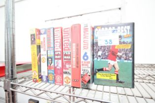 8x VHS VIDEOS INCLUDING GEORGE BEST, UNITED HIGHLIGHTS 1997 / 98 SEASON, HIGHLIGHTS 1988 / 89