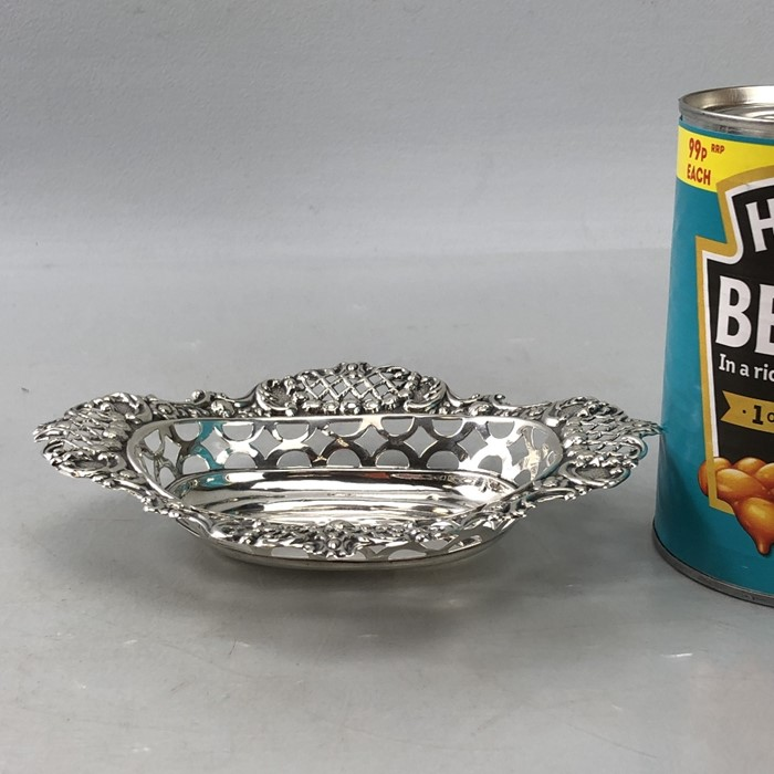 Edwardian Hallmarked Birmingham Silver bon bon dish approx 46g 1904 - Image 6 of 6