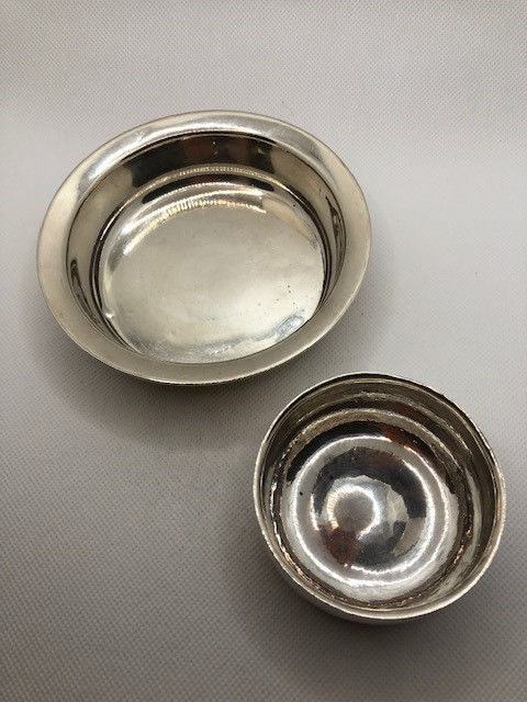 Two Silver hallmarked bowls the larger approx 12cm Diameter total weight 112g - Image 2 of 9