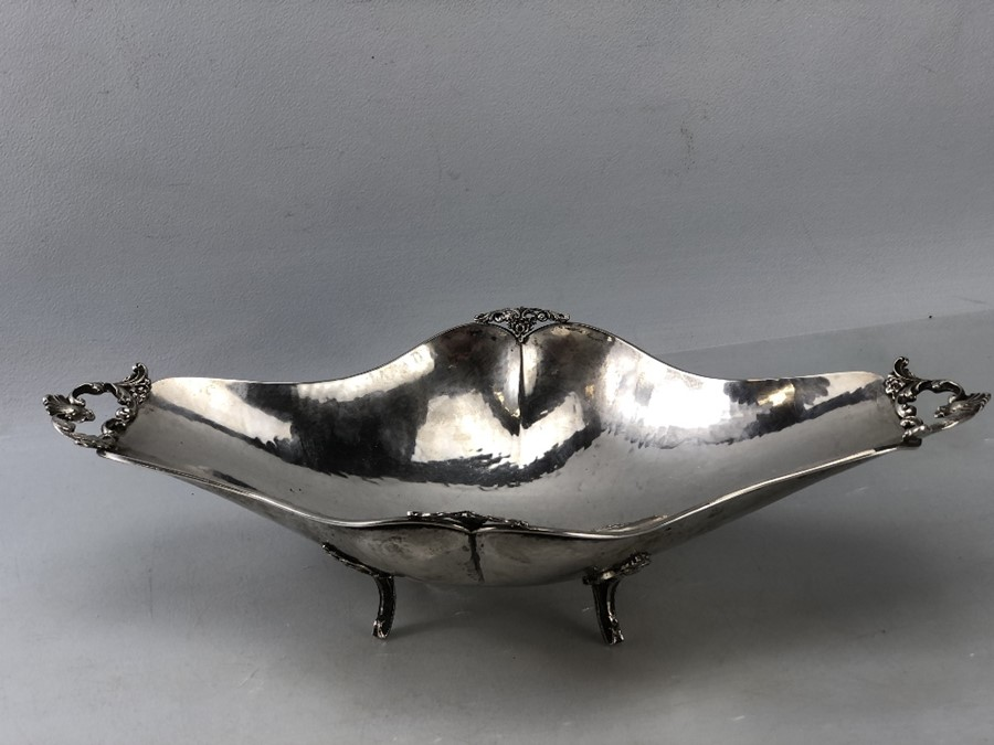Large Continental Silver Bowl on scroll legs (marked 800) approx 580g and 40 x 21 x 9.5cm tall - Image 2 of 8