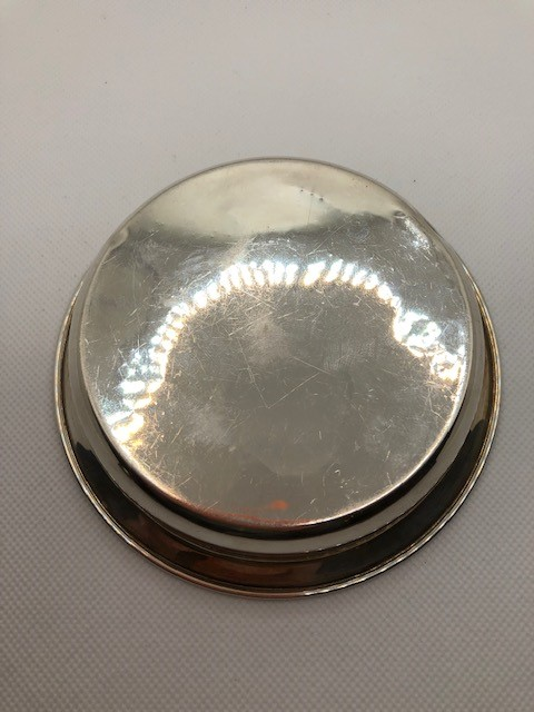 Two Silver hallmarked bowls the larger approx 12cm Diameter total weight 112g - Image 6 of 9