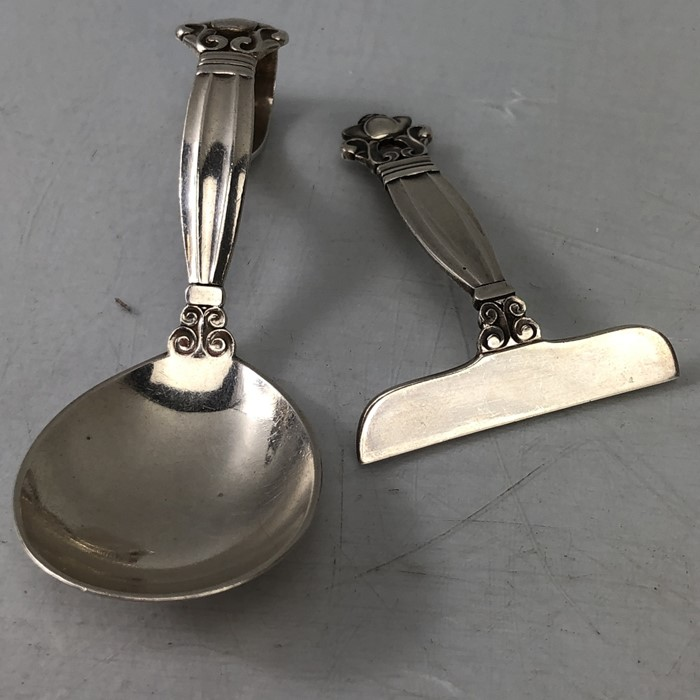 Silver Christening set of spoon and pusher marked Sterling for George Jensen - Image 6 of 6