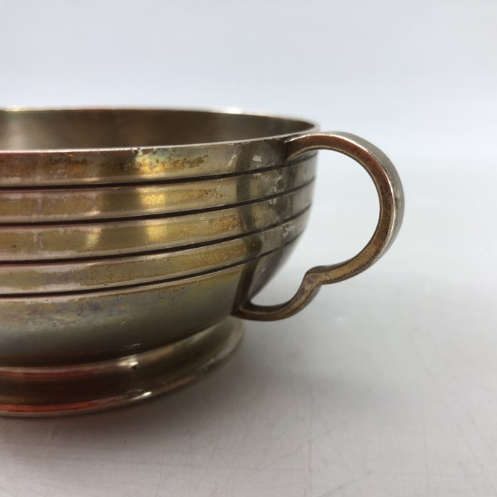 "Silver London hallmarked twin handled bowl approx 172.5g by Edward Barnard & Sons Ltd engraved "" - Image 3 of 7"