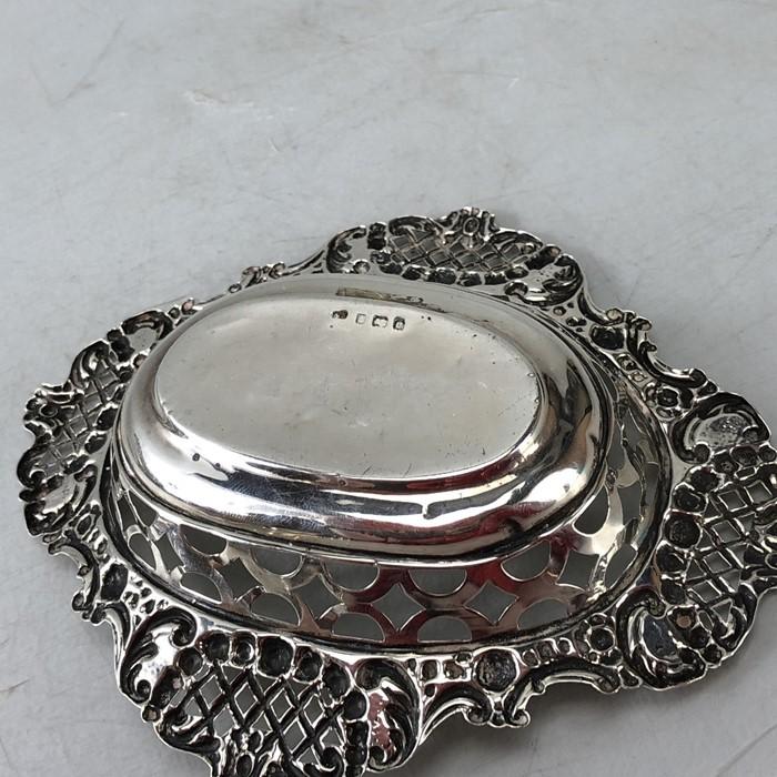 Edwardian Hallmarked Birmingham Silver bon bon dish approx 46g 1904 - Image 4 of 6