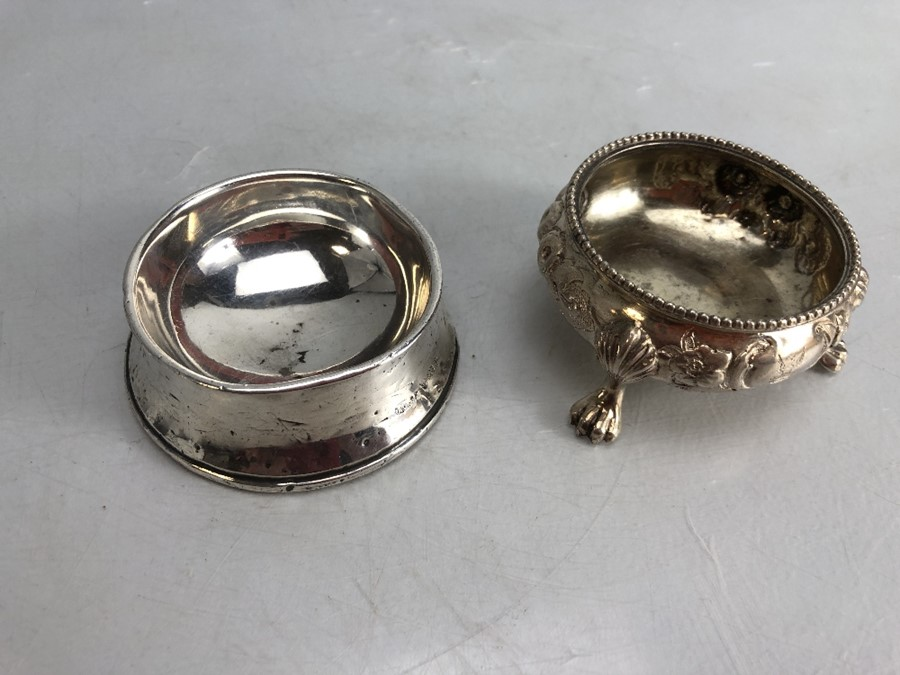 Silver hallmarked salt and a silver hallmarked pin dish - Image 4 of 7