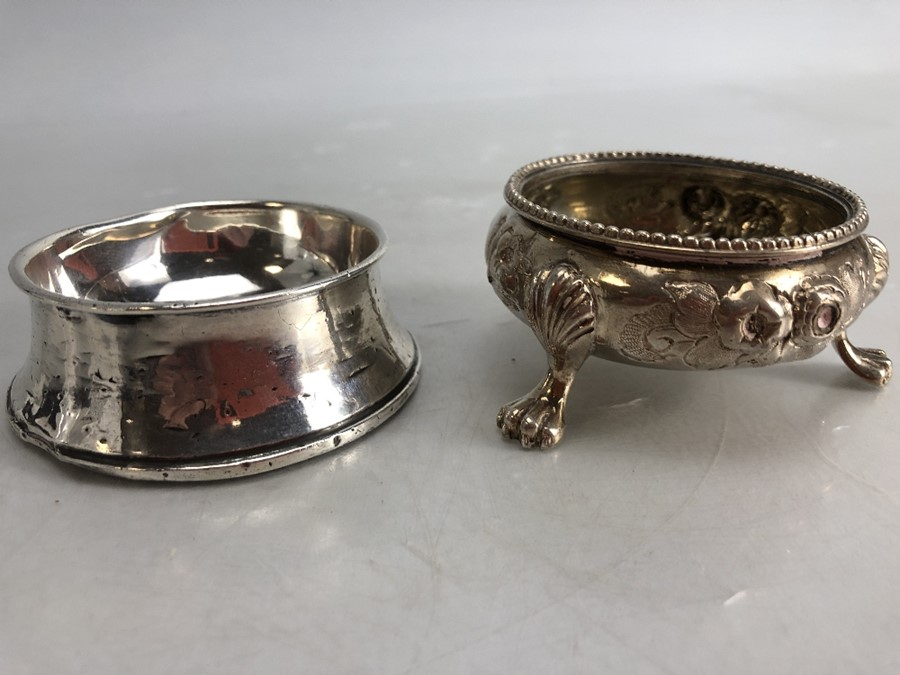 Silver hallmarked salt and a silver hallmarked pin dish - Image 2 of 7
