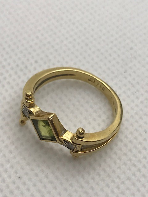 18ct Gold peridot and diamond ring approx 4.5g size 'M' - Image 4 of 4