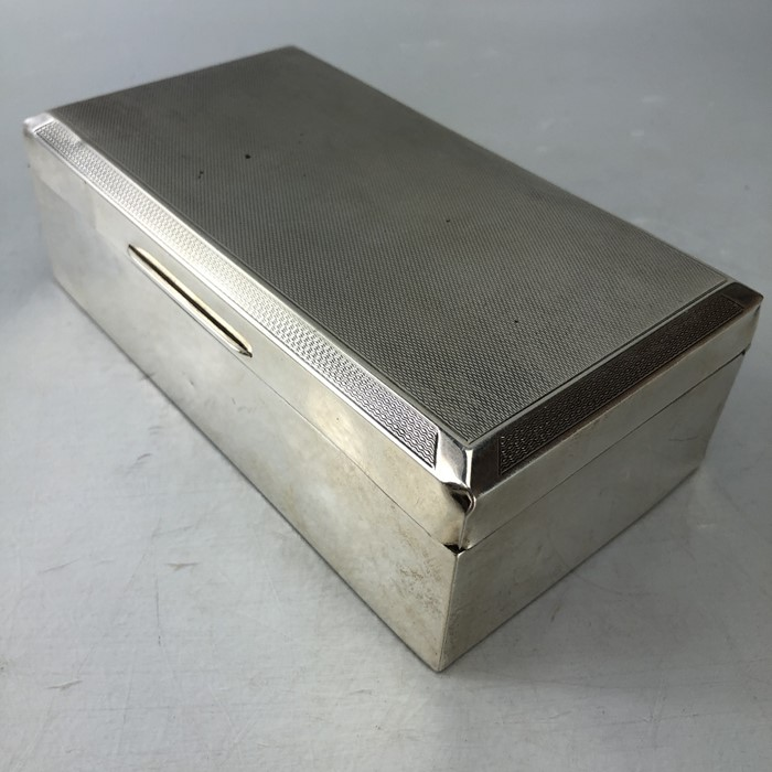 Mappin & Web Hallmarked Silver cigarette box total weight approx 434g - Image 3 of 8