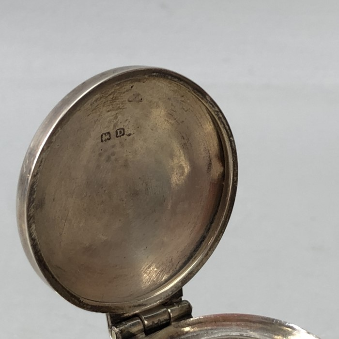 Silver Hallmarked Birmingham inkwell complete with undamaged glass liner, maker H.V.W - Image 5 of 9