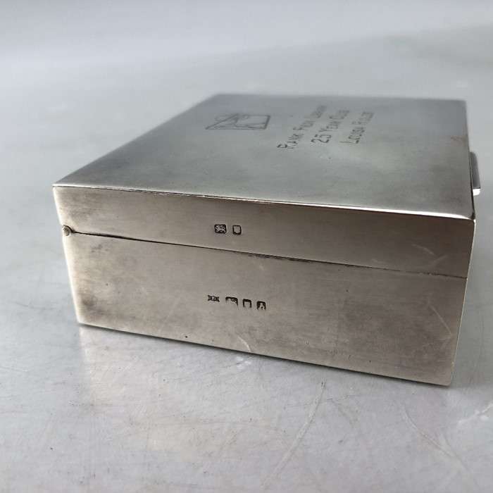 """Silver hallmarked cigarette box engraved to lid """"Rank Film Library"""" 9 x 8 3.5cm by Garrard & Co - Image 6 of 6"""