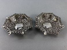 Pair of Hallmarked Silver octagonal pierced bowls 1903 by CP&Co approx 35g & 9cm across
