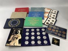 Collection of Royal Mint & proof coinage in presentation packs to include coinage Great Britain,