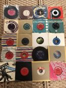Collection of Vinyl 45's / singles to include Paul Simon, Mary Hopkins, Blondie etc