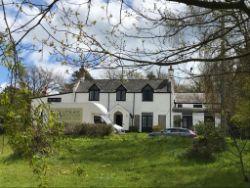 Contents of Stonebarrow Manor, Charmouth