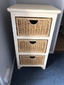 Chest of drawers with three wicker baskets (bed 6)
