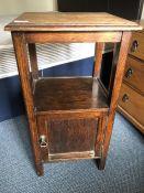 Single oak bedside cabinet (bed 10)