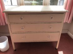 White painted wooden chest of three drawers (bed 5)