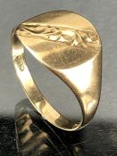 9ct Gold signet ring size 'S' (approx 2.5g)