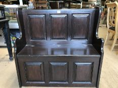 Small wooden settle with lidded seat, approx 93cm x 34cm x 90c tall