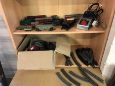 Collection of OO / HO gauge model train items to include locomotives, track, carriages etc
