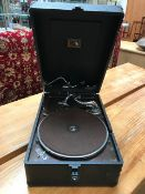 Vintage 1920s HMV wind-up gramophone in good working order, in black case, 78 RPM