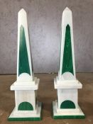 Pair of decorative stone obelisks in green and white, each approx 42cm in height