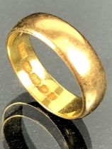 22ct Gold Wedding band size 'N' approx 6.1g