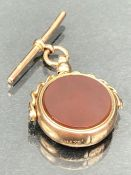 A 9ct gold fob spinner set bloodstone and carnelian with Gold Albert approx 8.6g