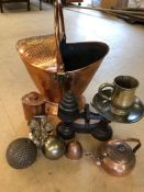 Collection of copper and metal ware items to include hammered coal scuttle and hammered copper jar