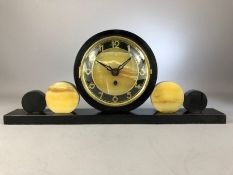 Art Deco slate and agate 30 hour mantle clock, approx 21cm in height x 50cm in length