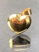 18ct Gold Heart pendant approx 1.5g