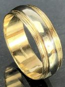 9ct Gold band size 'S' approx 3.9g